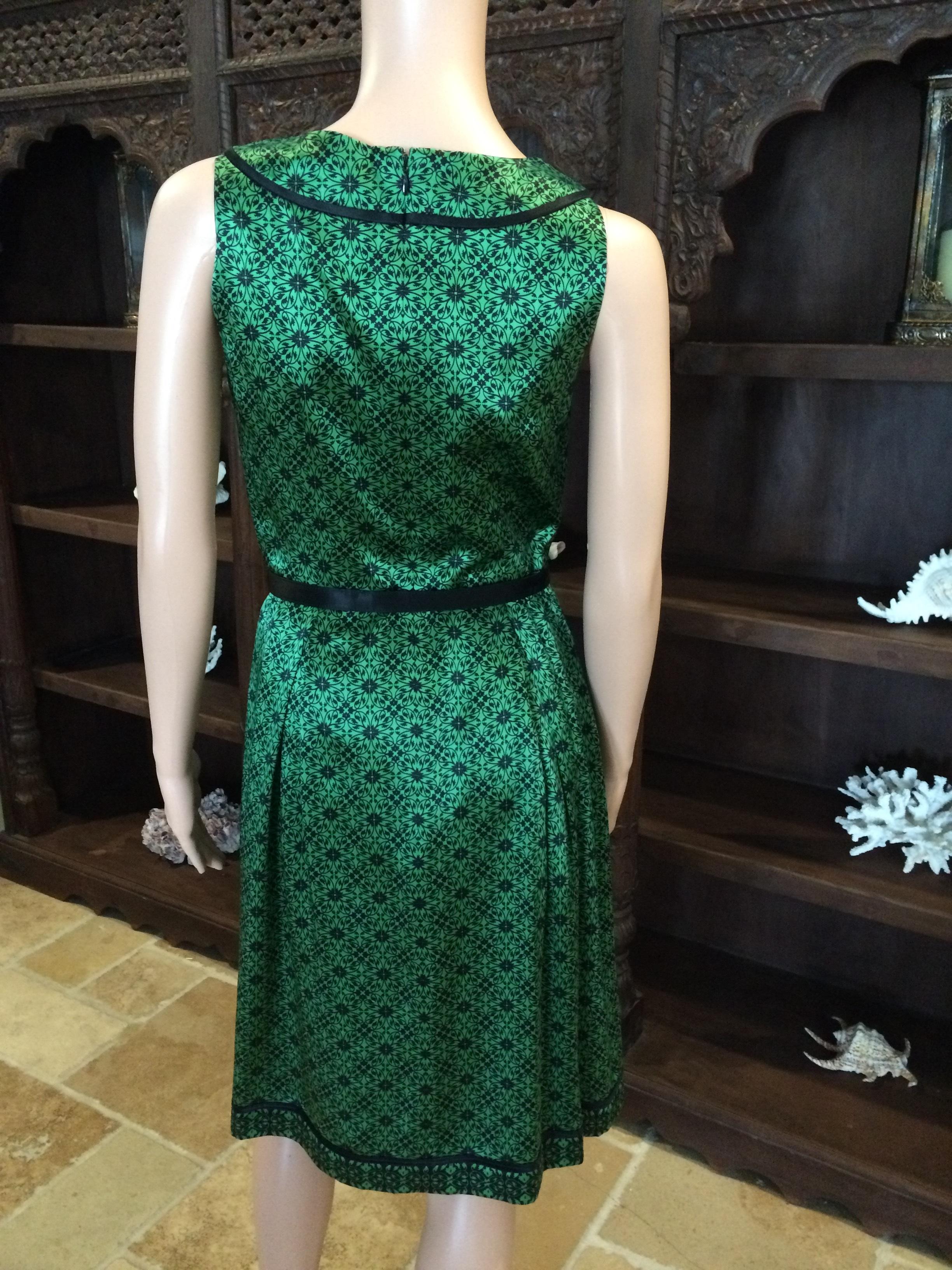 2806be32073 26024 B5SSD Stunning Emerald Green   Black Dress By Antonio Melani Size 2