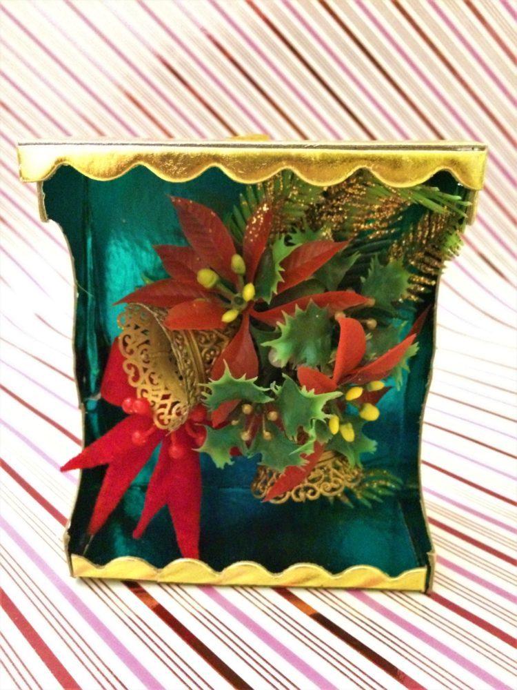 300011 B2 SC Vintage Kitschy Christmas Corsage Brings Holiday Joy ...